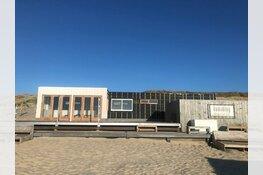 Sander en Fritz bouwen nagelnieuw strandpaviljoen in Bergen aan Zee