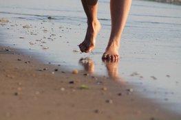 Vermist meisje (7) wandelt 5 kilometer over het strand van Bergen naar Egmond