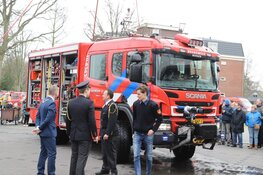 Brandweer Bergen neemt nieuwe tankautospuit in gebruik
